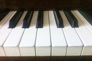 Он всего лишь занимался ремонтом фортепиано, а не реставрацией души