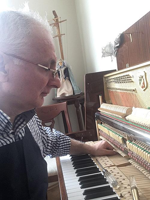 Мастер по ремонту, реставрации и настройке пианино и роялей